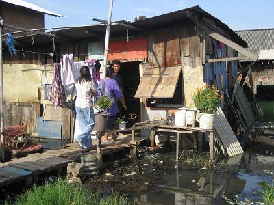 Desktop_2007-slum-huisje-2-klein-formaat