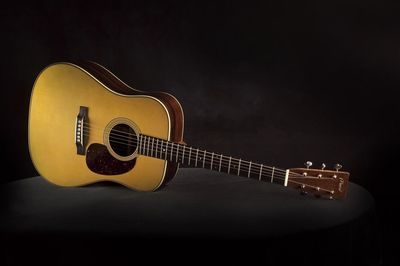 Desktop_2014_merrill_guitar-1024x682