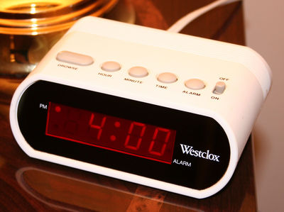 Desktop_digital-clock-alarm