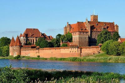 Desktop_panorama_of_malbork_castle__part_4__1_