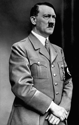 Desktop_bundesarchiv_bild_183-s33882__adolf_hitler_retouched