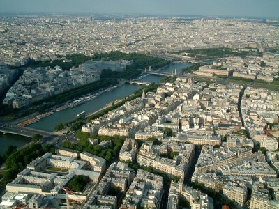 Aftnn_the_seine_from_the_eiffel_tower