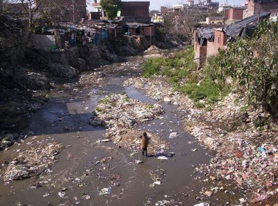 Slum_and_dirty_river