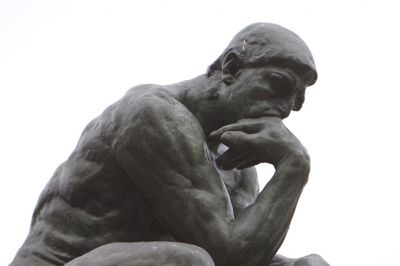 Desktop_rodin-thinker-detail-upper-body-right-side-landscape-view